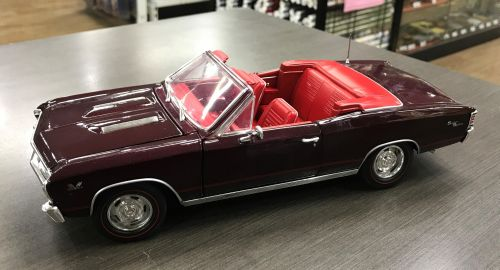 1967 Chevy Chevelle SS Convertible Madeira Maroon American Muscle 1:18 Scale Die Cast Metal Model Car